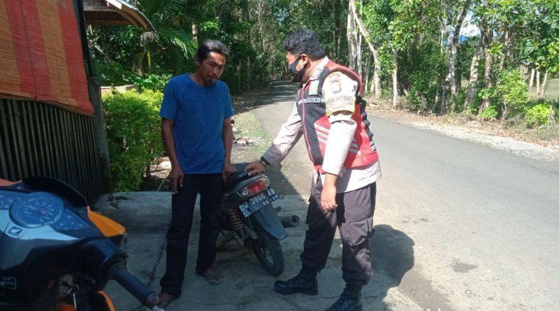 Melalui Patroli Dialogis Bhabinkamtibmas Bripka Andi Ikbal Rosani Sampaikan Himbauan Kamtibmas